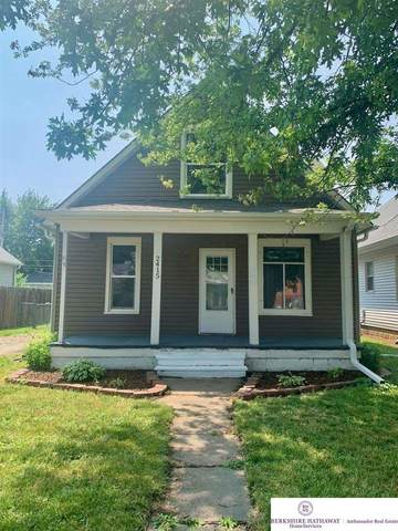 2415 Avenue B, Council Bluffs, IA 51501 (MLS #22117875) :: Lighthouse Realty Group