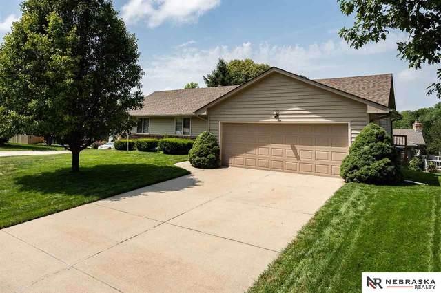 15736 Leavenworth Street, Omaha, NE 68118 (MLS #22117895) :: Elevation Real Estate Group at NP Dodge