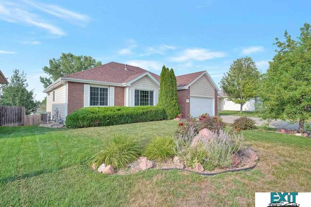 2220 Manitou Drive, Lincoln, NE 68521 (MLS #22117909) :: Elevation Real Estate Group at NP Dodge