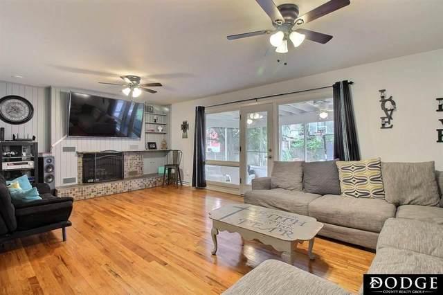 1035 N H Street, Fremont, NE 68025 (MLS #22117919) :: Berkshire Hathaway Ambassador Real Estate