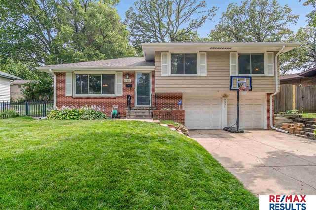 7771 Park Lane, Ralston, NE 68127 (MLS #22117939) :: Berkshire Hathaway Ambassador Real Estate