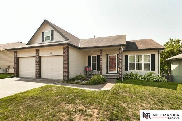 719 Cedar View Lane, Bellevue, NE 68123 (MLS #22117942) :: Berkshire Hathaway Ambassador Real Estate
