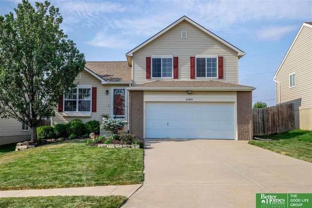 19408 Oakwood Street, Omaha, NE 68135 (MLS #22117945) :: Berkshire Hathaway Ambassador Real Estate