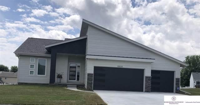 16547 Locust Street, Omaha, NE 68116 (MLS #22117962) :: Elevation Real Estate Group at NP Dodge