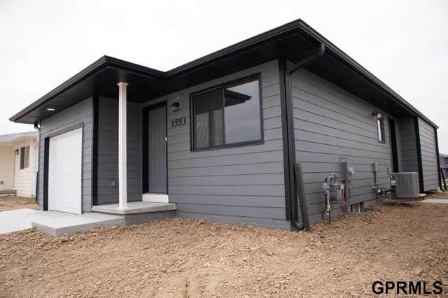1553 SW 29th Street Street, Lincoln, NE 68522 (MLS #22117987) :: Catalyst Real Estate Group