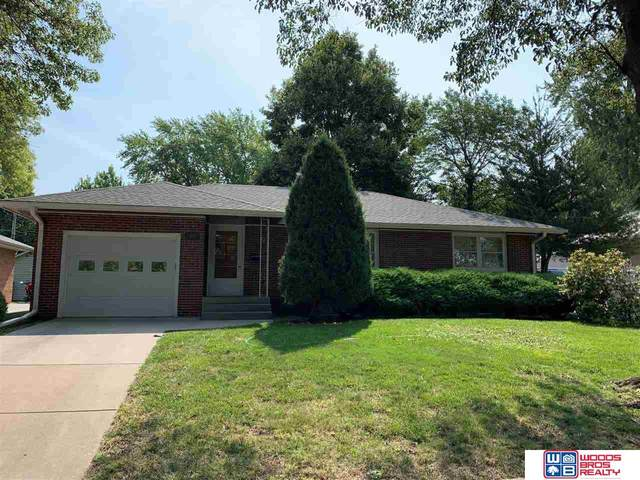 3644 S 17th Street, Lincoln, NE 68502 (MLS #22118096) :: Lincoln Select Real Estate Group