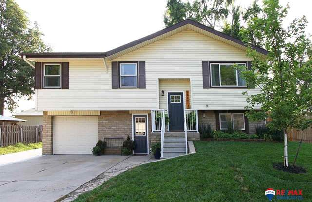 9940 N 147 Street, Waverly, NE 68462 (MLS #22118105) :: Lincoln Select Real Estate Group