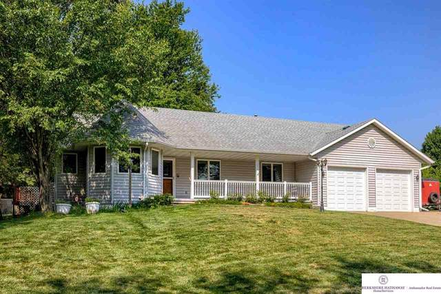 2524 Lockwood Place, Council Bluffs, IA 51503 (MLS #22118119) :: Dodge County Realty Group