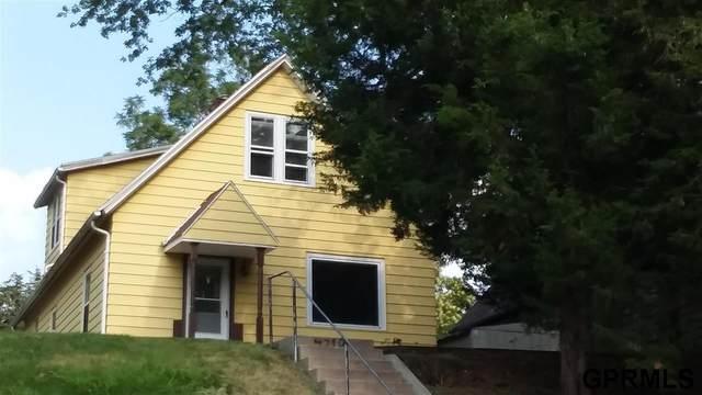 4719 S 18 Street, Omaha, NE 68107 (MLS #22118143) :: The Briley Team