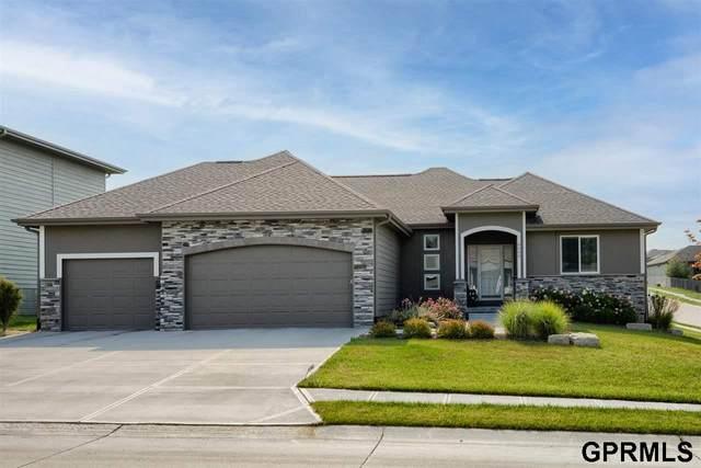 8009 S 195 Street, Gretna, NE 68028 (MLS #22118162) :: Complete Real Estate Group