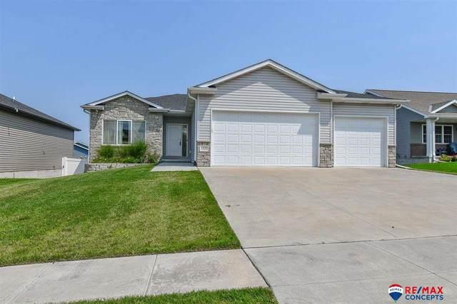 1436 W Lander Drive, Lincoln, NE 68521 (MLS #22118271) :: Lincoln Select Real Estate Group