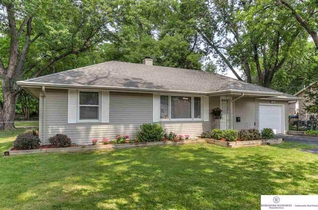 7764 Main Street, Ralston, NE 68127 (MLS #22118273) :: Lincoln Select Real Estate Group