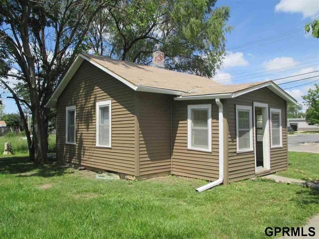 5916 Havelock Avenue, Lincoln, NE 68507 (MLS #22119031) :: Lincoln Select Real Estate Group