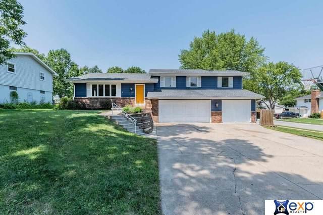 1100 Horseshoe Circle, Papillion, NE 68046 (MLS #22119142) :: Dodge County Realty Group