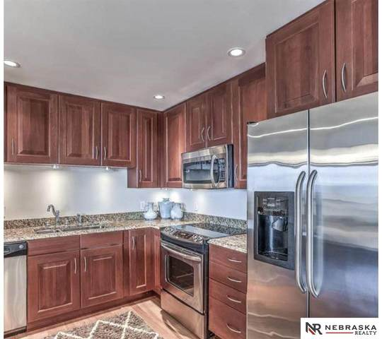 200 S 31st Avenue #4502, Omaha, NE 68131 (MLS #22119195) :: Catalyst Real Estate Group