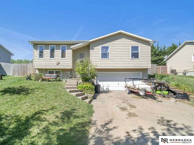 4043 NW 57th Street, Lincoln, NE 68524 (MLS #22119374) :: Catalyst Real Estate Group