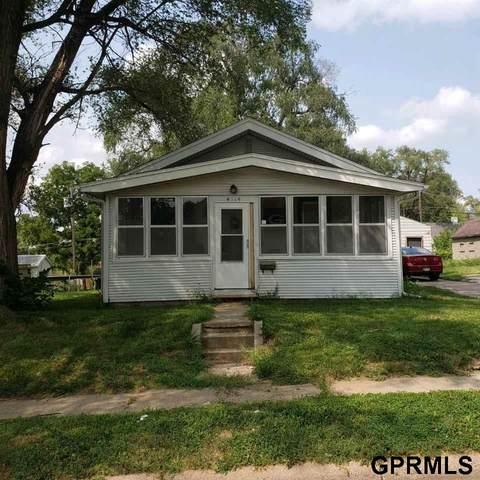 4514 Camden Avenue, Omaha, NE 68104 (MLS #22119375) :: kwELITE