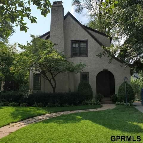 318 S 57 Street, Omaha, NE 68132 (MLS #22119545) :: Don Peterson & Associates