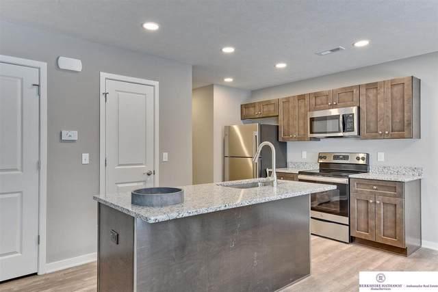 17046 Hawthorne Avenue, Omaha, NE 68118 (MLS #22119616) :: Don Peterson & Associates