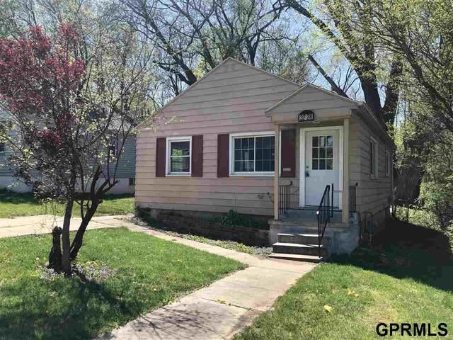 3228 N 40th Street, Omaha, NE 68111 (MLS #22119631) :: Omaha Real Estate Group