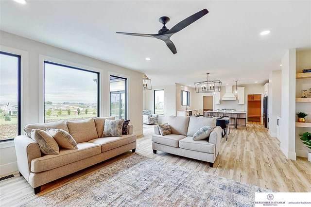 11601 S 114 Avenue, Papillion, NE 68046 (MLS #22119633) :: Elevation Real Estate Group at NP Dodge