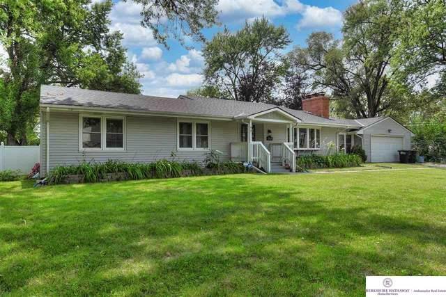 7685 Hickory Street, Omaha, NE 68124 (MLS #22119686) :: Lincoln Select Real Estate Group