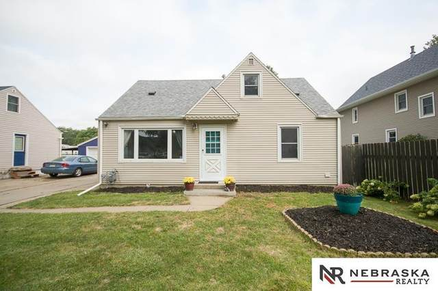 4918 Greenwood Street, Lincoln, NE 68504 (MLS #22119877) :: Lighthouse Realty Group