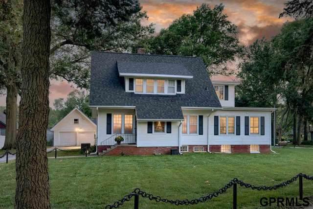 8001 Keystone Drive, Omaha, NE 68134 (MLS #22119890) :: Lincoln Select Real Estate Group