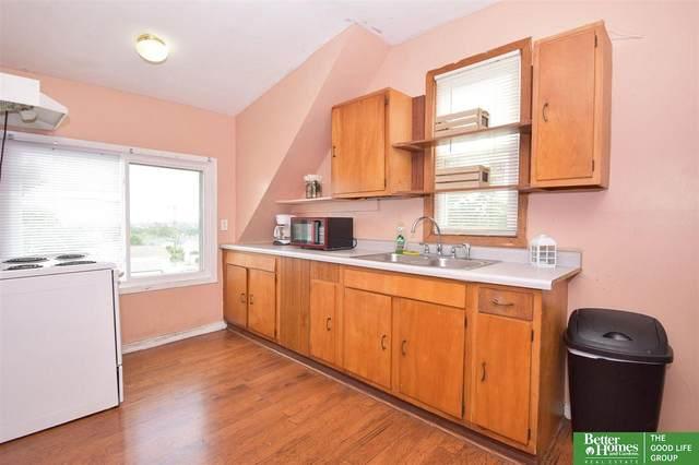 3703 V Street, Omaha, NE 68107 (MLS #22119914) :: Complete Real Estate Group
