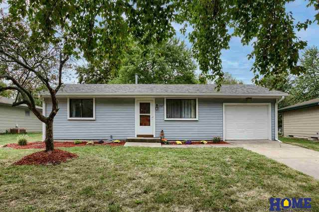 1727 SW 24th Street, Lincoln, NE 68522 (MLS #22120108) :: Elevation Real Estate Group at NP Dodge