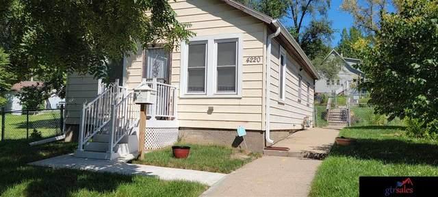 4220 Ames Avenue, Omaha, NE 68111 (MLS #22120199) :: Lincoln Select Real Estate Group