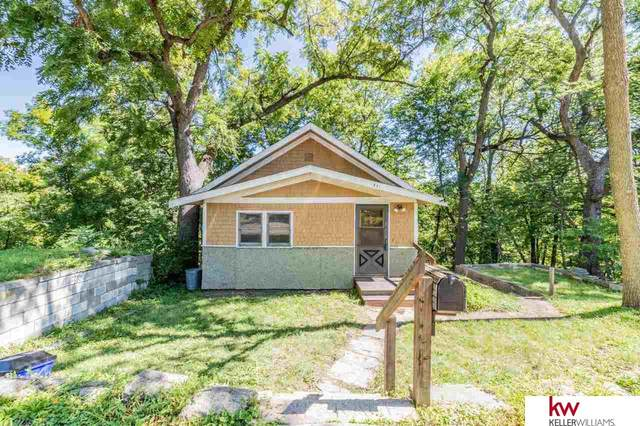 831 Grace Street, Council Bluffs, IA 51503 (MLS #22120236) :: Catalyst Real Estate Group