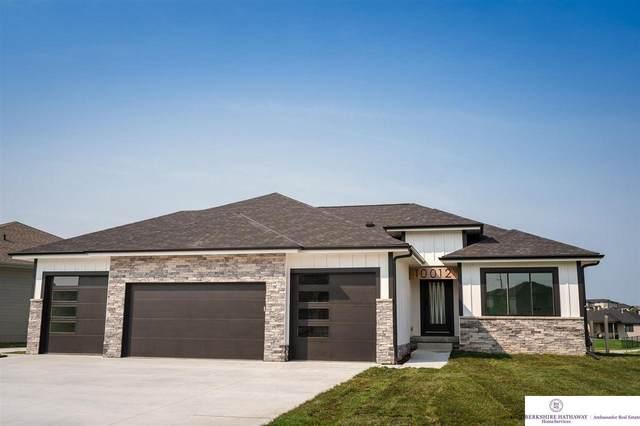 20803 Woodridge Drive, Gretna, NE 68028 (MLS #22120281) :: Lincoln Select Real Estate Group