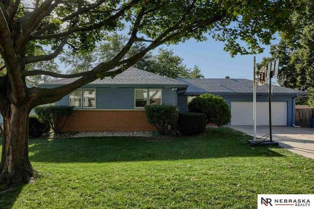 902 N 74th Avenue, Omaha, NE 68114 (MLS #22120284) :: Dodge County Realty Group