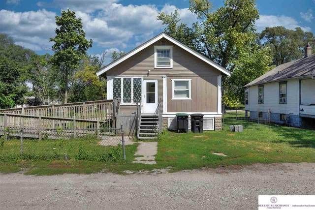 1616 Carter Boulevard, Omaha, NE 68110 (MLS #22120338) :: Omaha Real Estate Group