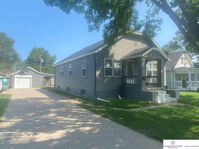 1714 Avenue G, Council Bluffs, IA 51501 (MLS #22120621) :: Complete Real Estate Group