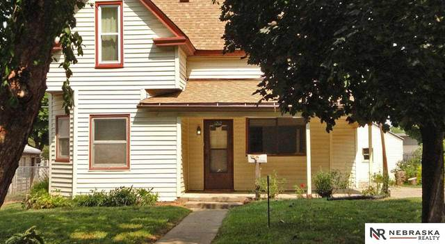 3212 W Street, Lincoln, NE 68503 (MLS #22120764) :: Elevation Real Estate Group at NP Dodge