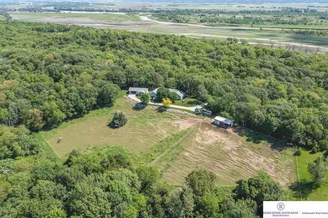 17716 Pioneer Trail, Plattsmouth, NE 68048 (MLS #22120919) :: Don Peterson & Associates