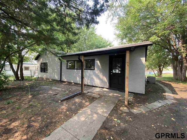 1150 Garber Avenue, Lincoln, NE 68521 (MLS #22121039) :: Lincoln Select Real Estate Group