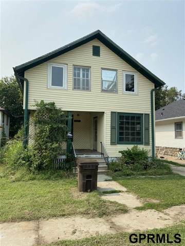 841 S 29th Street, Lincoln, NE 68510 (MLS #22121058) :: Elevation Real Estate Group at NP Dodge