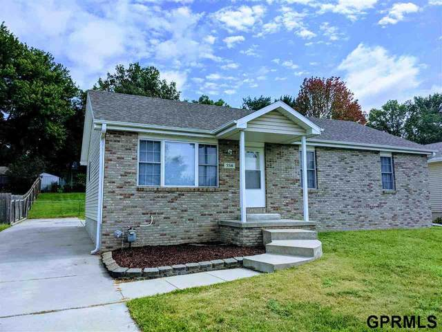 5516 Hunts Drive, Lincoln, NE 68512 (MLS #22121098) :: Lighthouse Realty Group