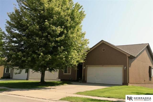 7417 N 77th Avenue, Omaha, NE 68122 (MLS #22121225) :: Dodge County Realty Group