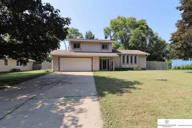 8614 Raven Oaks Drive, Omaha, NE 68152 (MLS #22121256) :: Lighthouse Realty Group