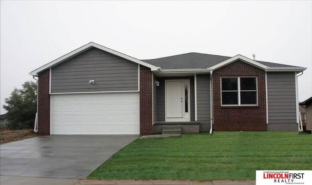 2810 W Kyle Lane, Lincoln, NE 68522 (MLS #22121358) :: Berkshire Hathaway Ambassador Real Estate