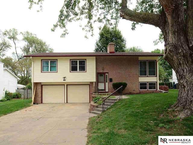 1105 Surrey Road, Papillion, NE 68046 (MLS #22121395) :: Elevation Real Estate Group at NP Dodge
