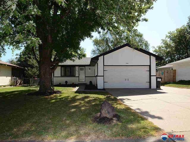 2440 SW 18th Street, Lincoln, NE 68522 (MLS #22121421) :: Berkshire Hathaway Ambassador Real Estate