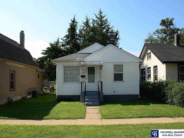 2305 Avenue F Avenue, Council Bluffs, NE 51501 (MLS #22121439) :: kwELITE
