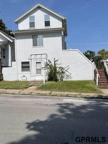 2214 Poppleton Avenue, Omaha, NE 68108 (MLS #22121483) :: Complete Real Estate Group