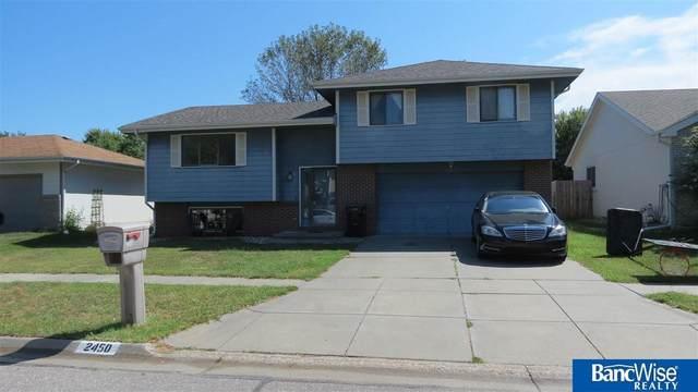 2450 SW 17th Street, Lincoln, NE 68522 (MLS #22121574) :: Berkshire Hathaway Ambassador Real Estate