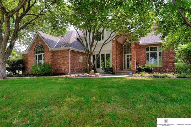 649 N 164 Street, Omaha, NE 68118 (MLS #22121603) :: Elevation Real Estate Group at NP Dodge